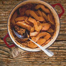 «Αμνός μετά κυδωνιών μήλων εν τρίμματι σύκων» Αρνάκι κυδωνάτο σε σάλτσα σύκων