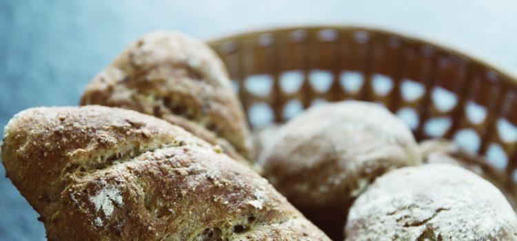 """Η Κρητική διατροφή και το """"μαύρο"""" ψωμί"""